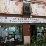 fachada local lanas punto y más