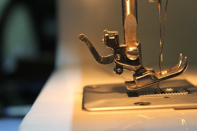 maquina de coser arreglo de ropa